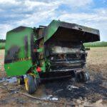 Pożar prasy do słomy w Olszewie (15) (8)