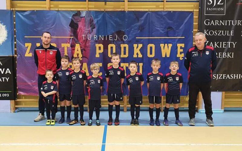 Młodzi piłkarze Obry na turnieju o Złotą Podkowę!