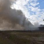 Pożar złomowiska w Przysiece Polskiej (17)