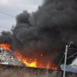 Pożar złomowiska w Przysiece Polskiej (4)