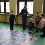 Prezenty dla dzieci od powiatu (2)