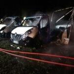 Spłonęły dwa samochody (9)