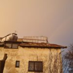 Wiatr zerwał dach w Kawczynie