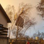 Wiatr zerwał dach w Kawczynie (2)
