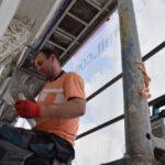 Trwają prace przy remoncie elewacji (6)