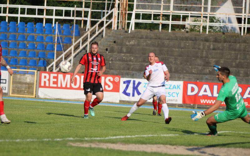 Obra kończy sezon na czele grupy. 1:1 w ostatnim meczu.