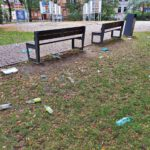 Śmieci na Placu Wolności (2)