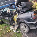 Wypadek z udziałem osobówki i ciężarówki w Czerwonej Wsi (1)